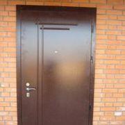 Двери,  металлические,  входные